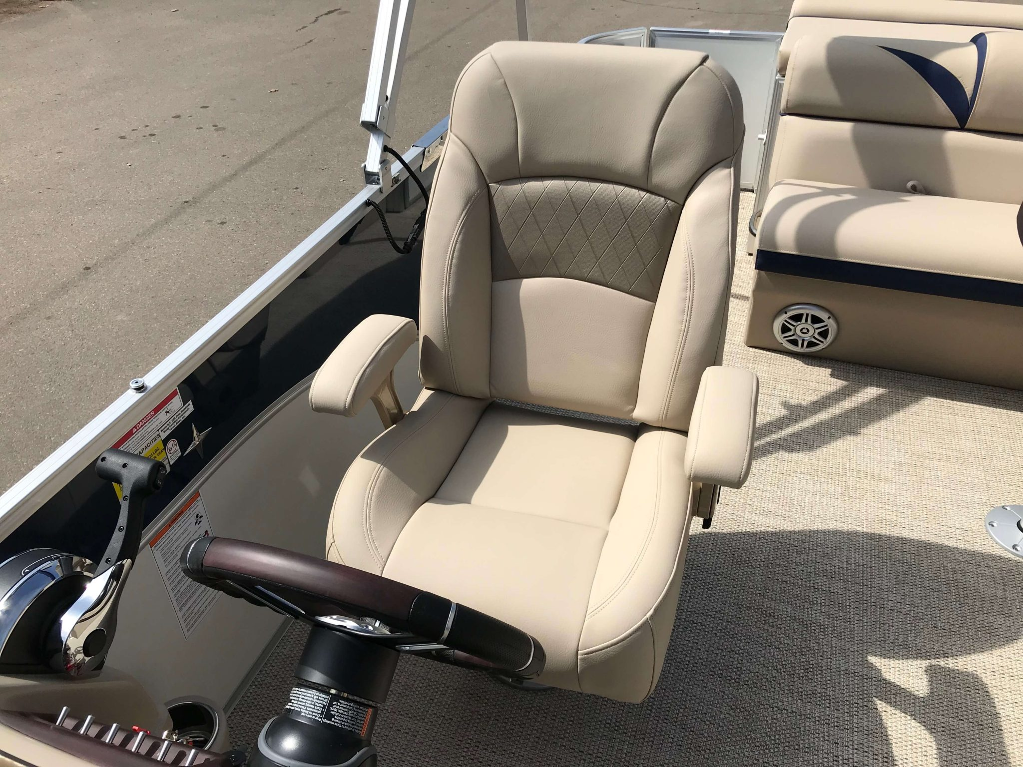 2019 Berkshire 23CL STS Captain's Chair
