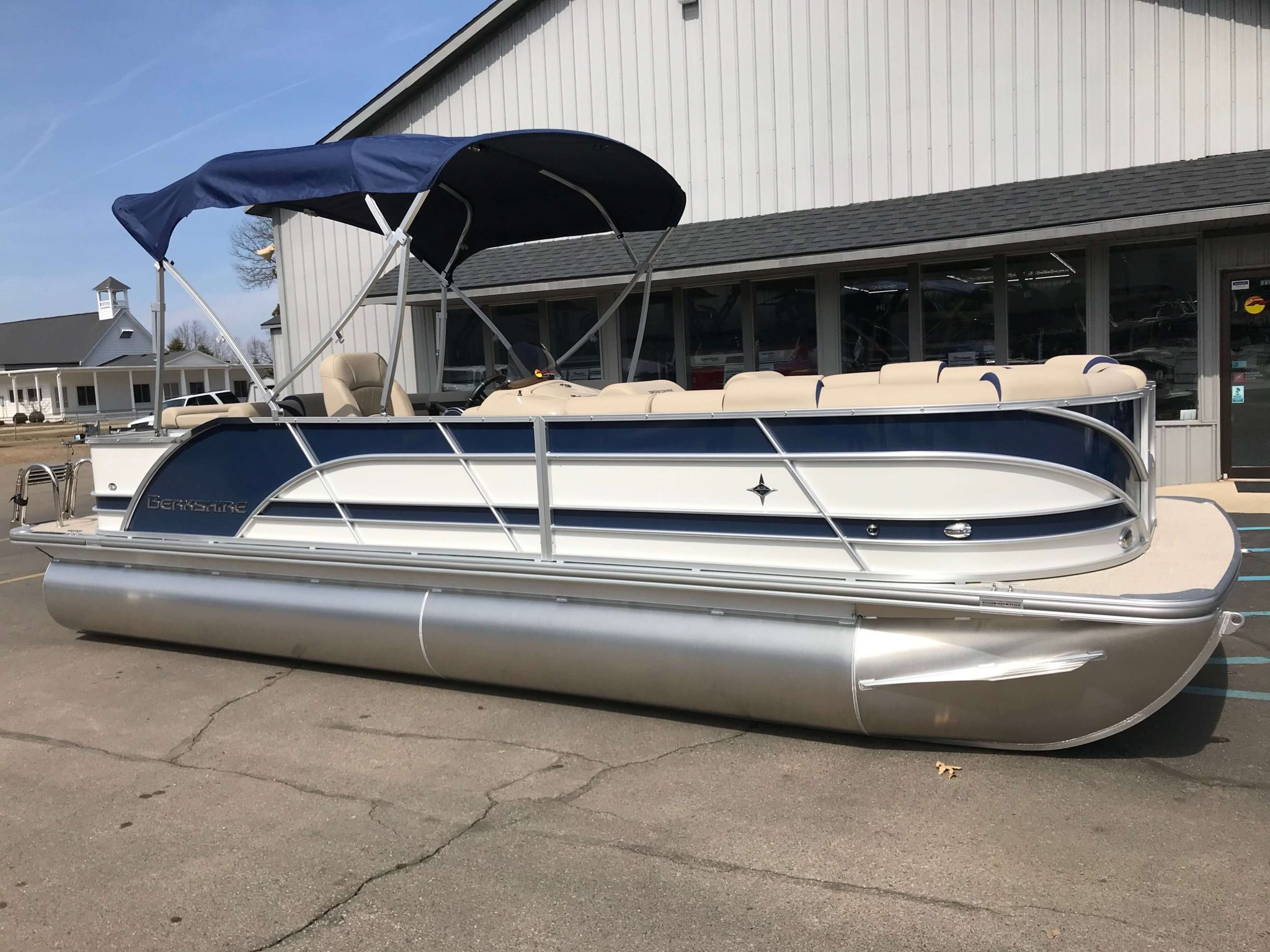 2019 Berkshire 23CL STS Navy Blue 2