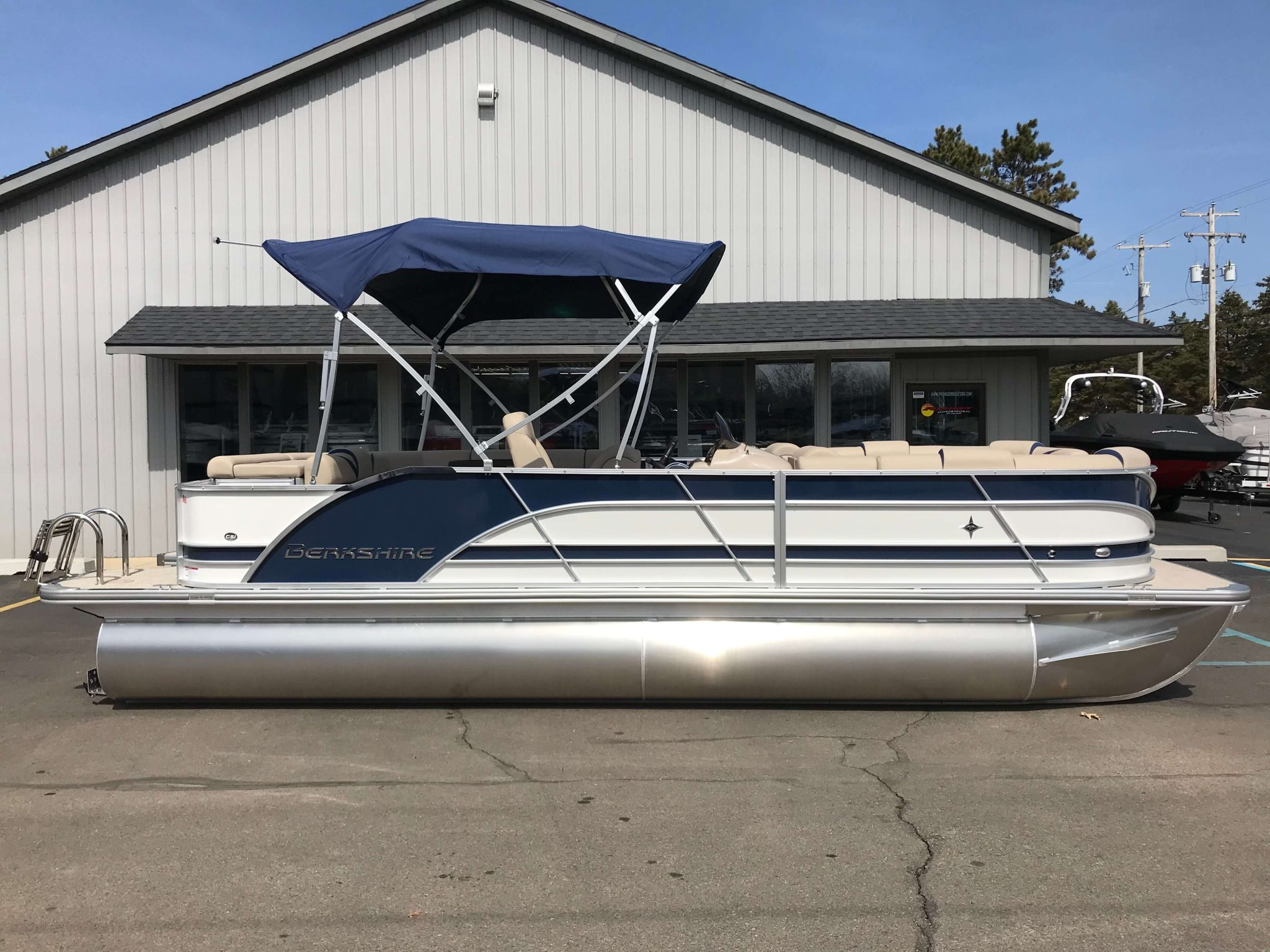 2019 Berkshire 23CL STS Navy Blue 6