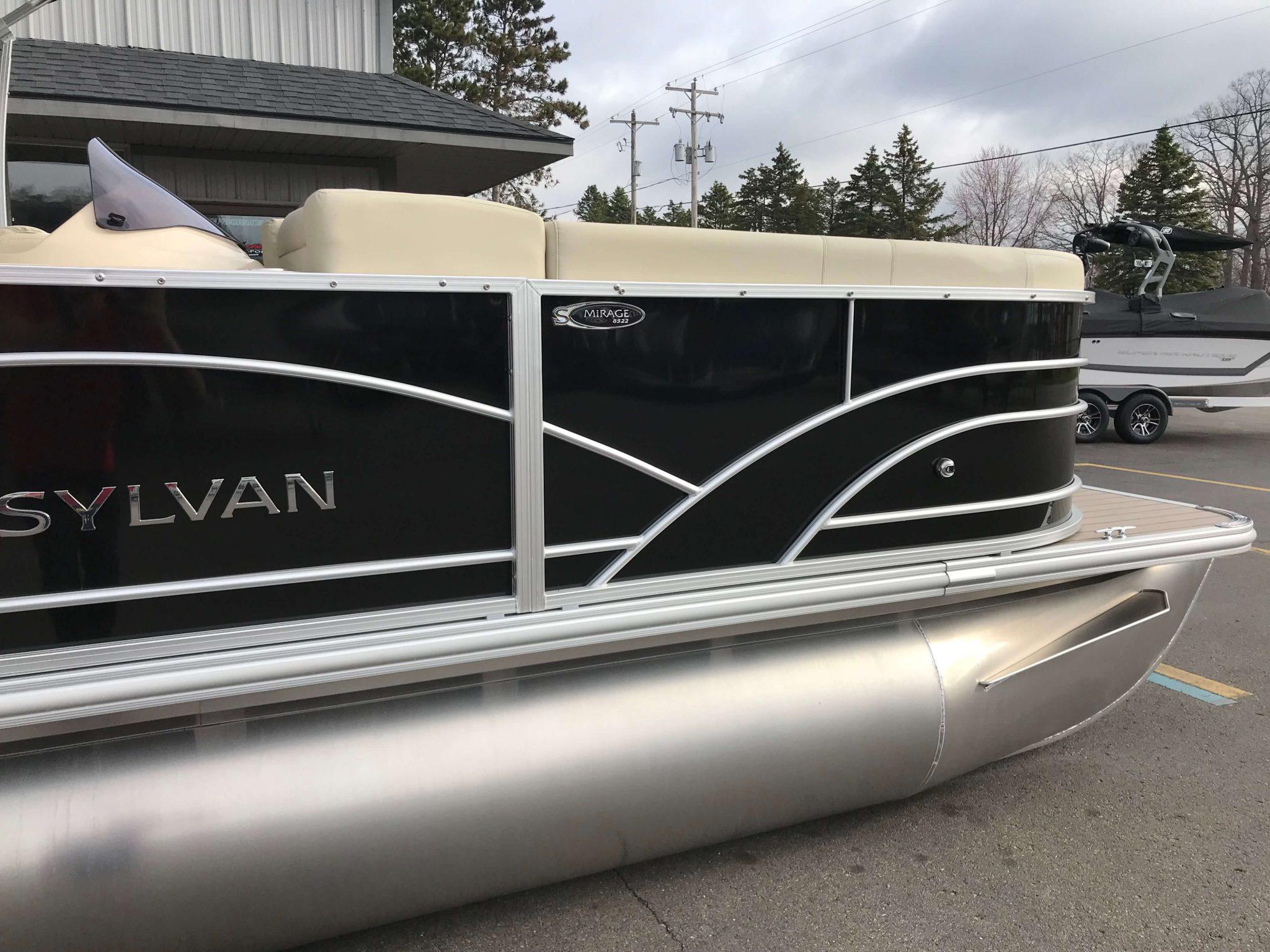 2019 Sylvan Mirage 8522 Cruise Black 6