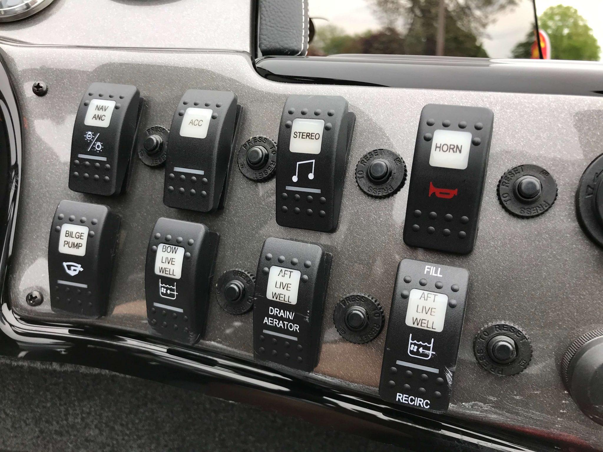 2019 Smoker Craft 161 Pro Angler XL Toggle Switches