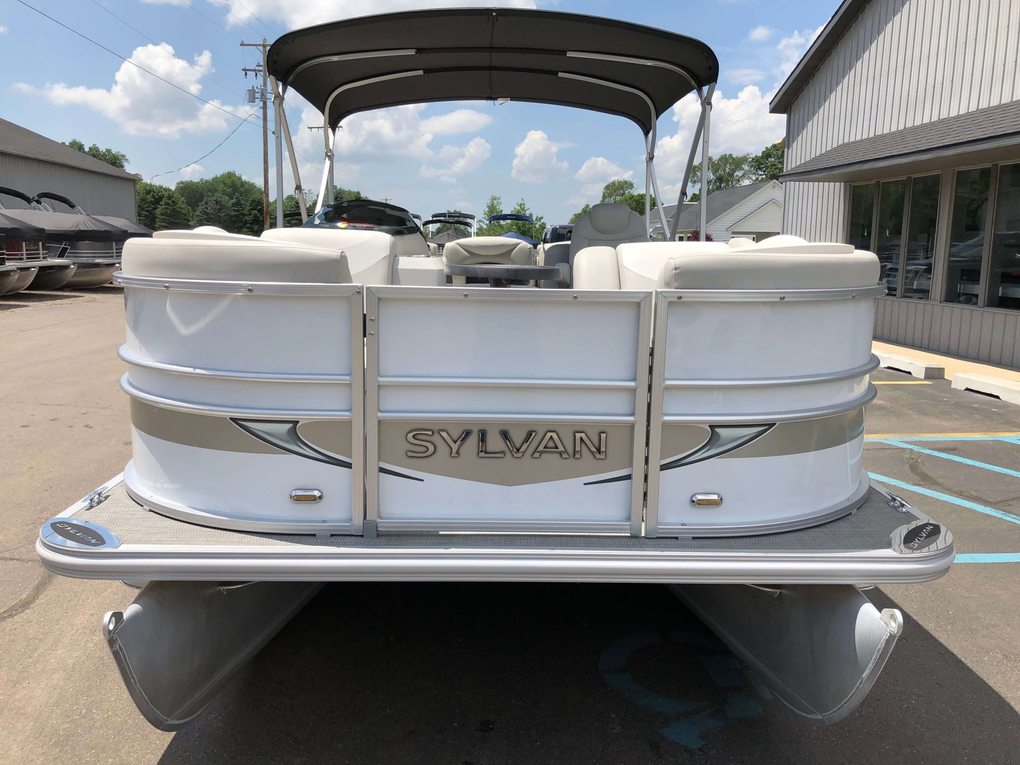 2016 Sylvan 8520 LZ LES Pontoon Boat 6