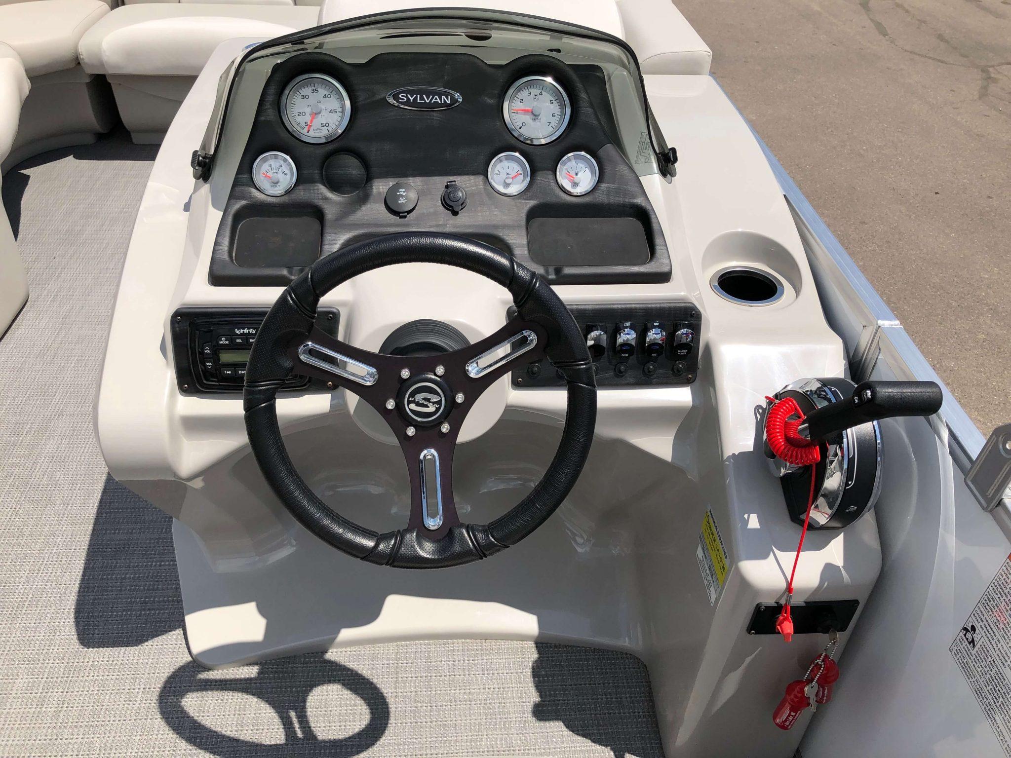 2016 Sylvan 8520 LZ LES Pontoon Boat Dash 2