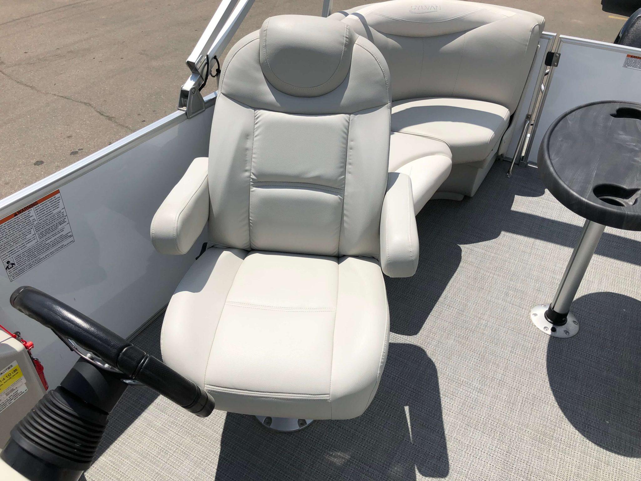 2016 Sylvan 8520 LZ LES Pontoon Boat Helm Chair