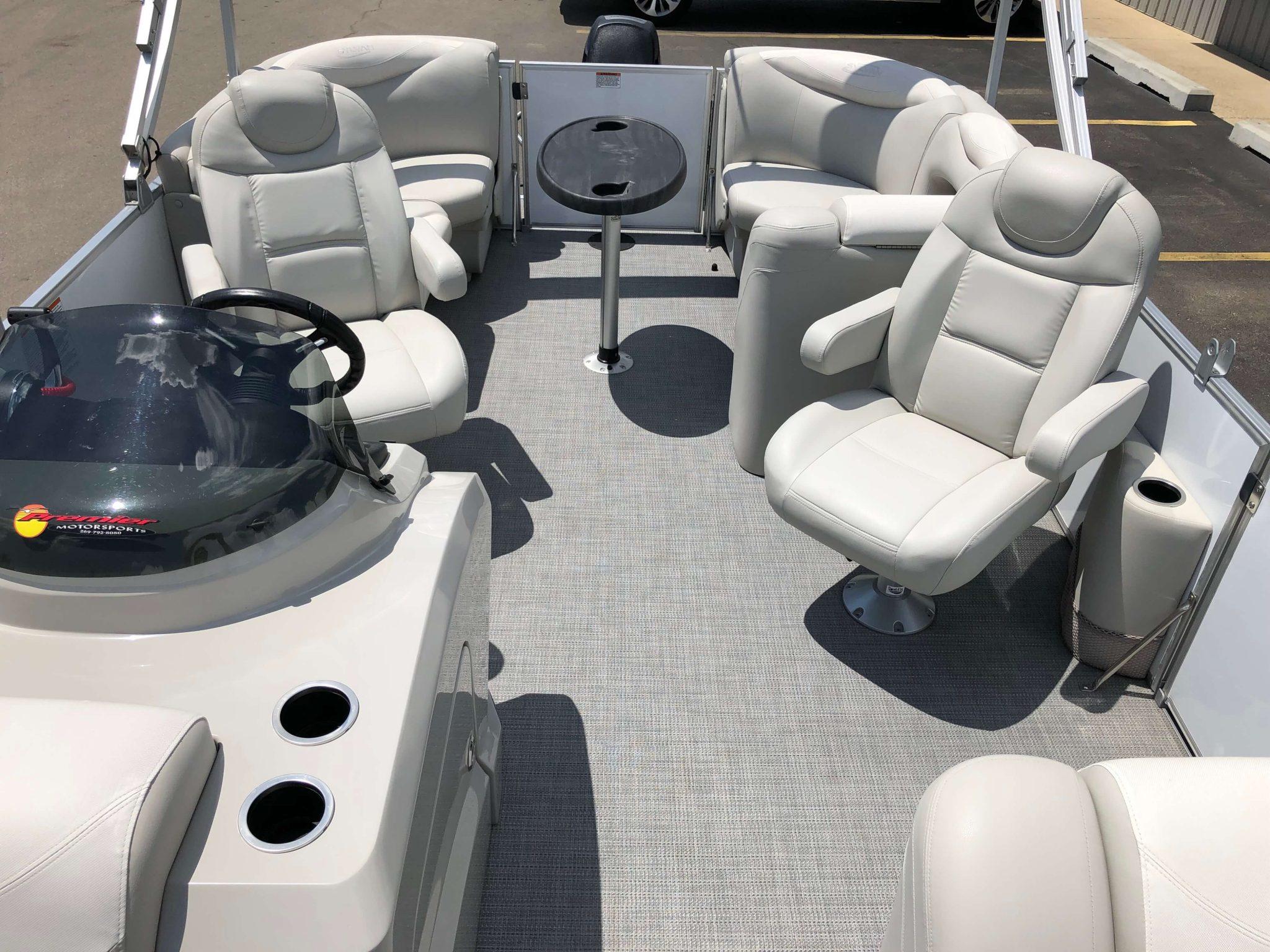 2016 Sylvan 8520 LZ LES Pontoon Boat Layout 4