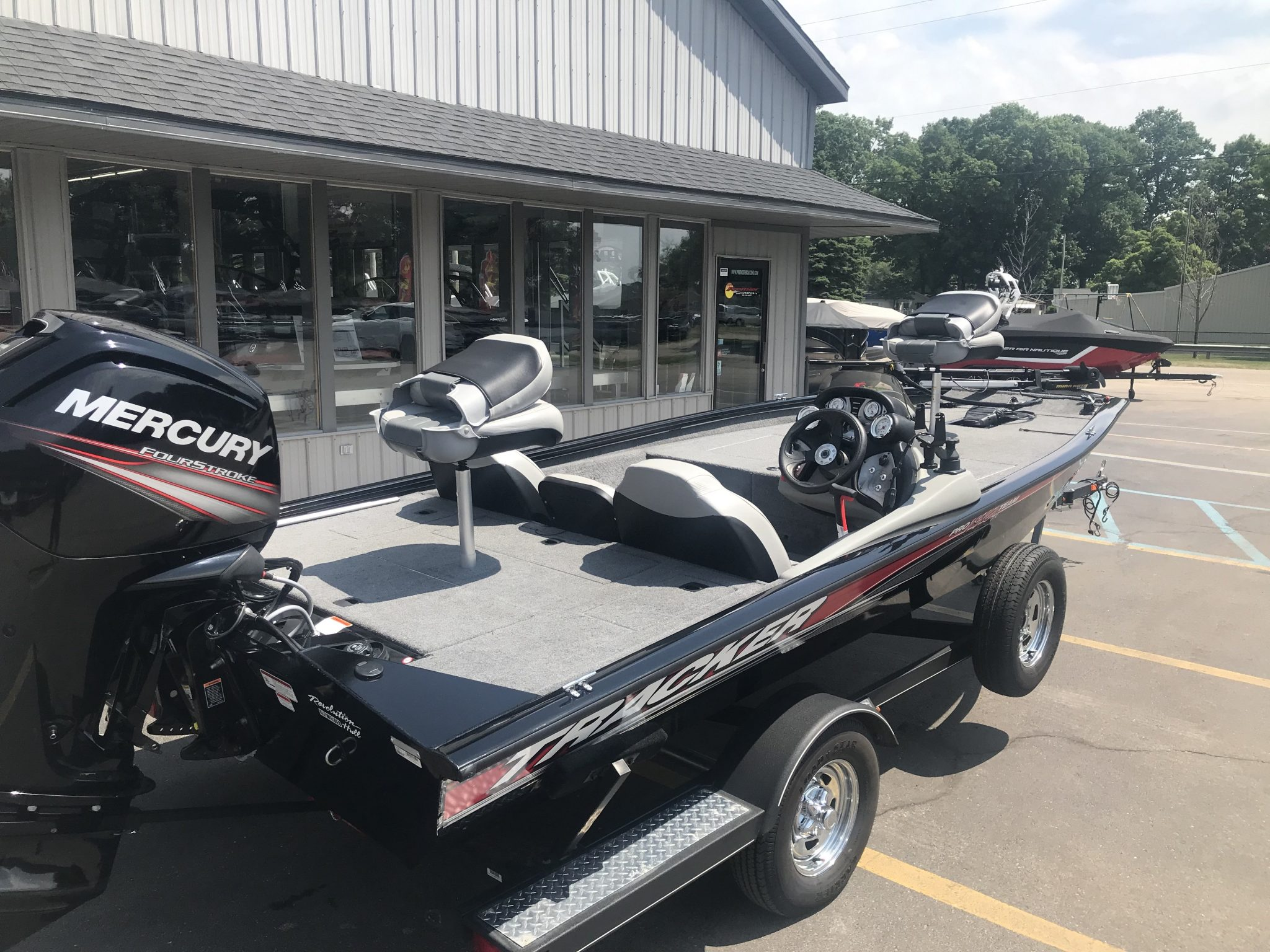 2017 Bass Tracker Pro Team 190TX Fishing Boat 5