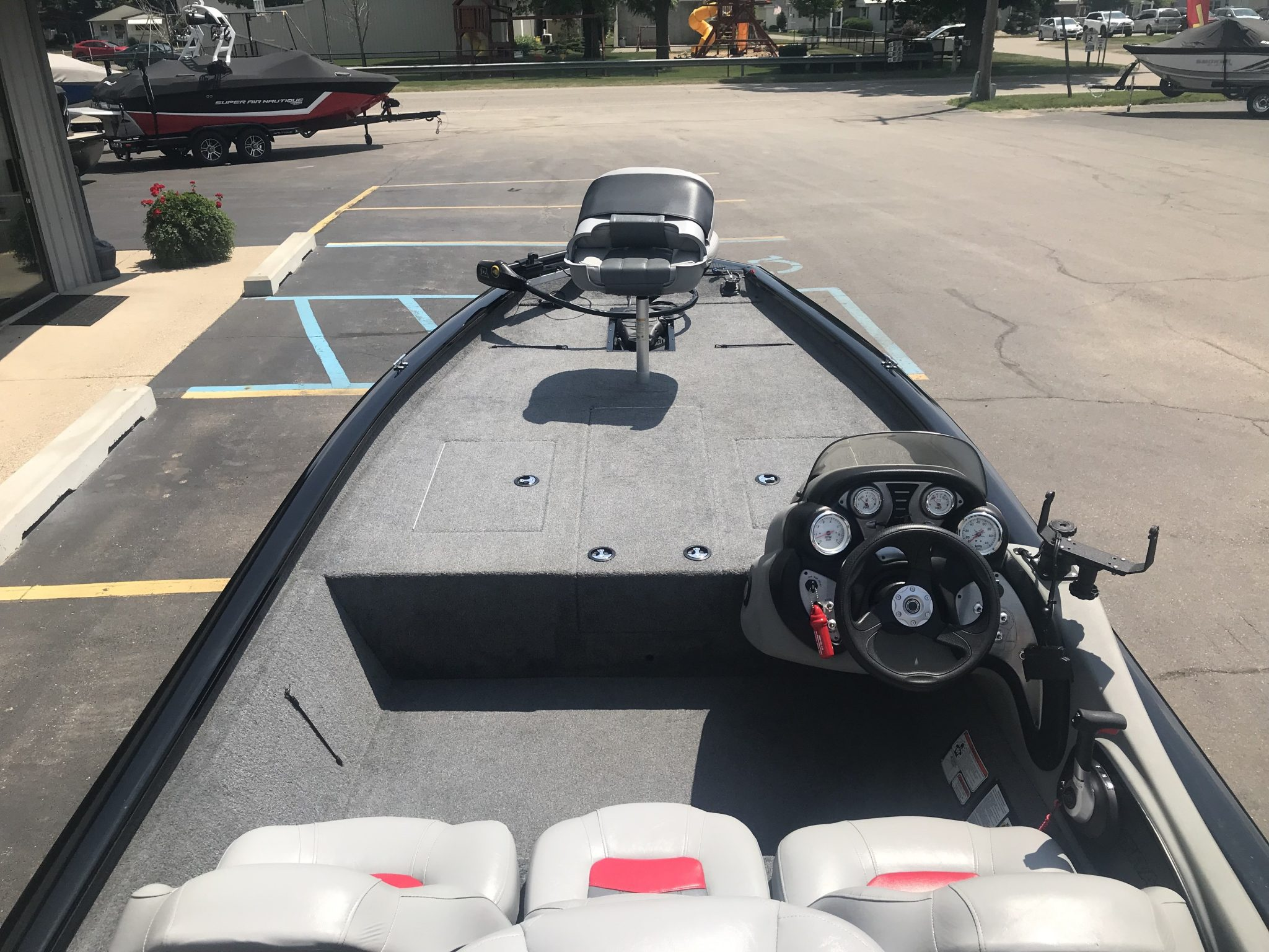 2017 Bass Tracker Pro Team 190TX Fishing Boat 7