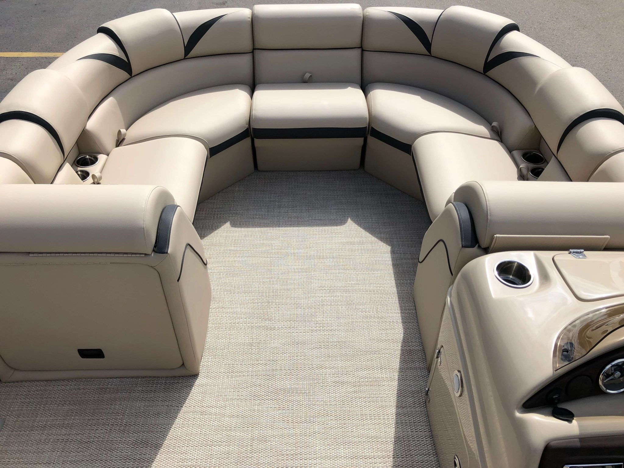 2019 Berkshire 23RFX STS Pontoon Boat Layout 3