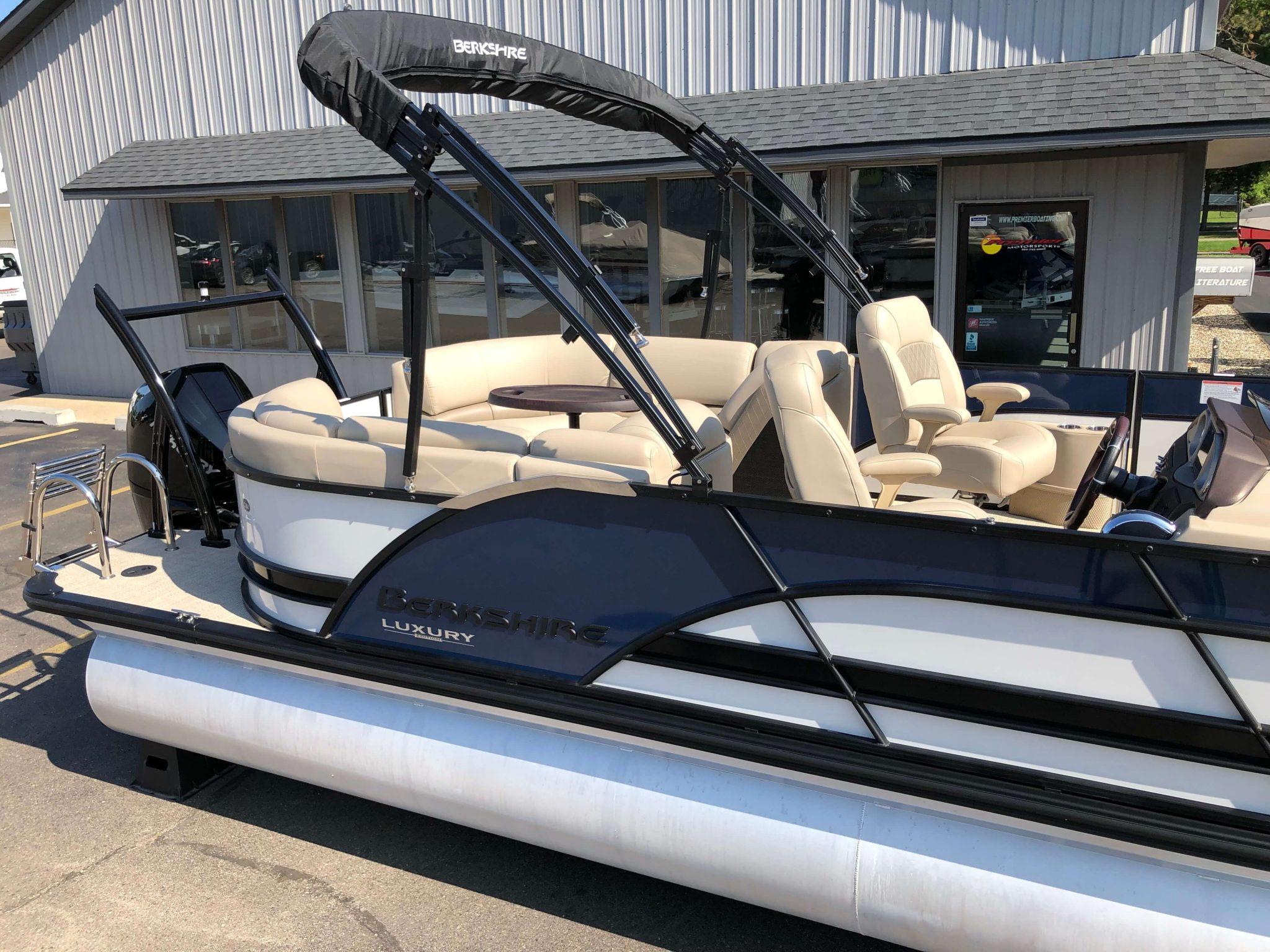 2019 Berkshire 25RFX STS Luxury Tritoon 4