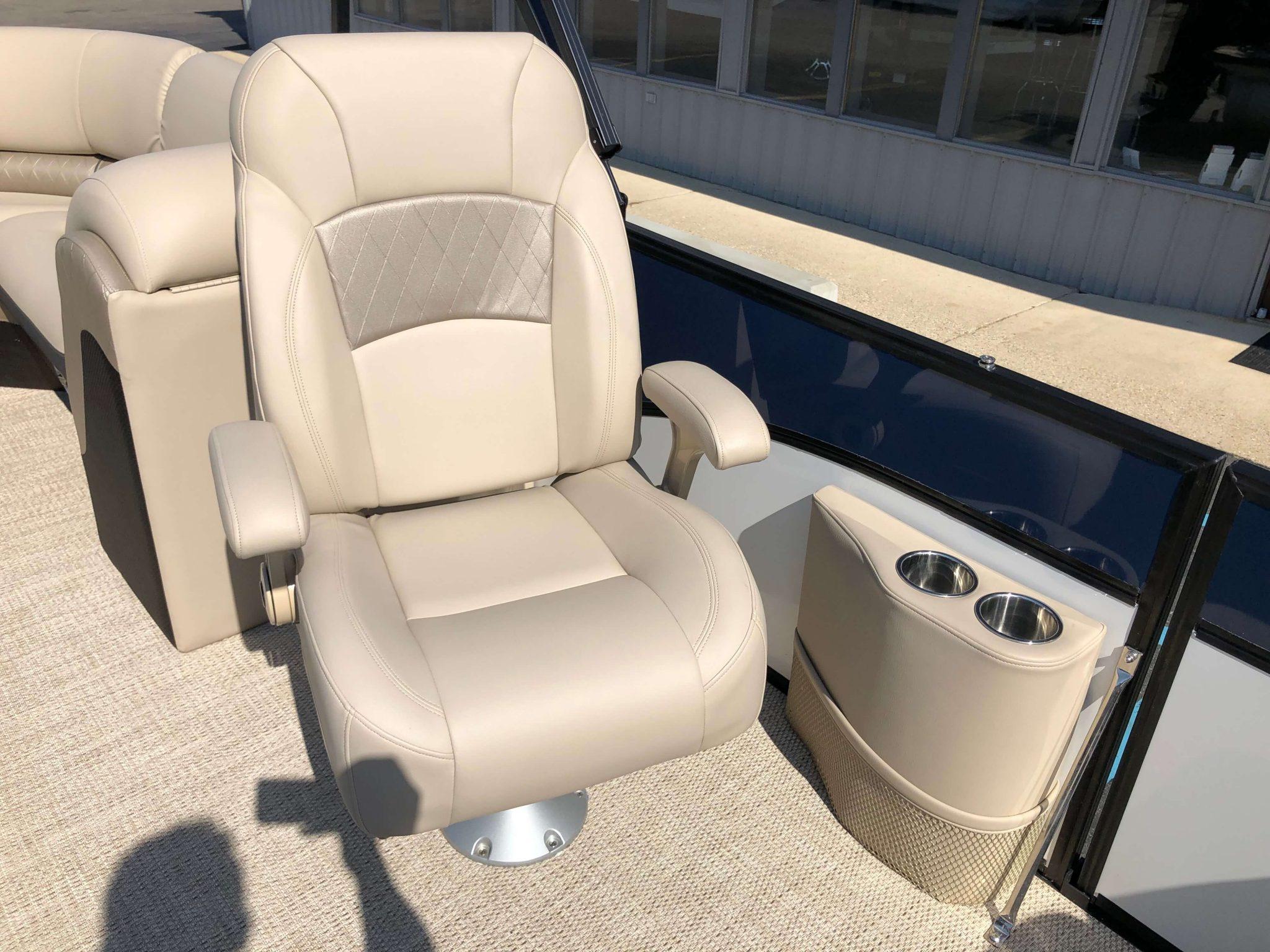 2019 Berkshire 25RFX STS Luxury Tritoon High Back Chair