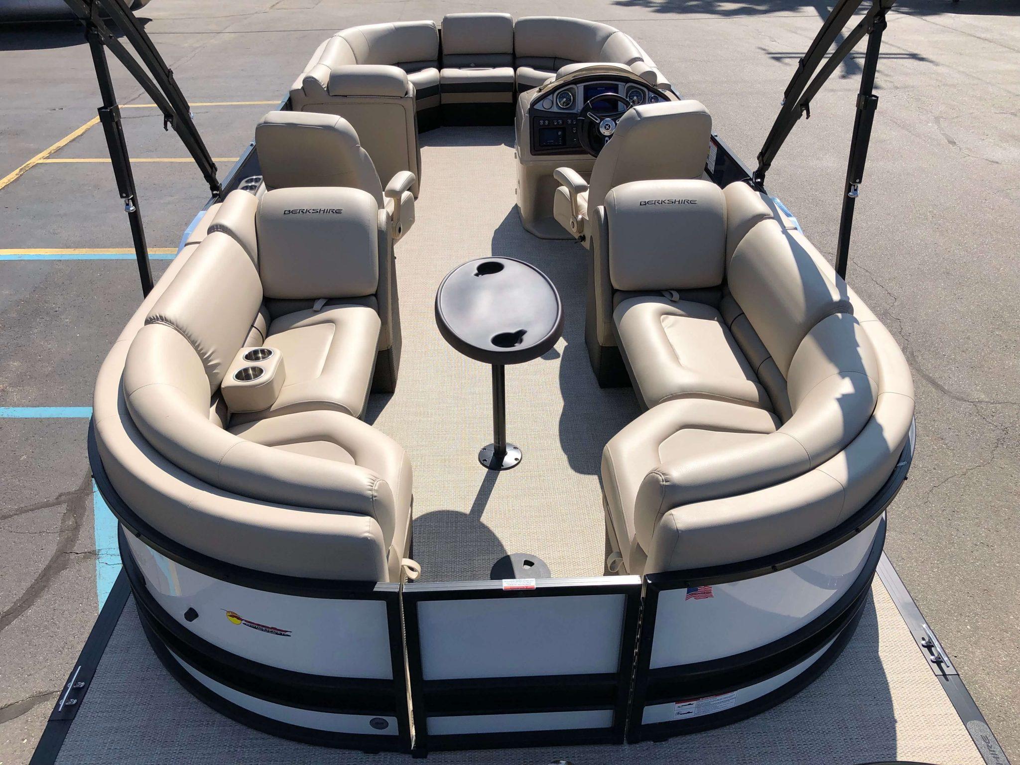 2019 Berkshire 25RFX STS Luxury Tritoon Layout 2