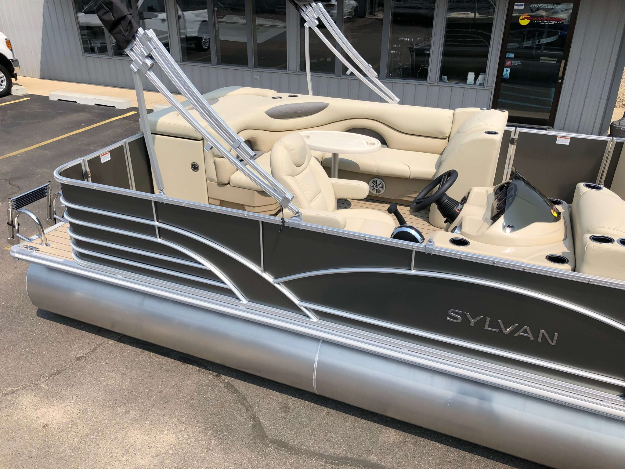 2019 Sylvan 8522 Cruise Carbon Pontoon Boat 3
