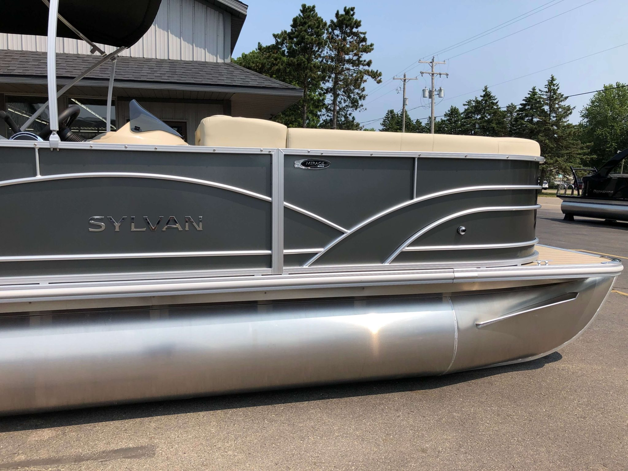 2019 Sylvan 8522 Cruise Carbon Pontoon Boat 8