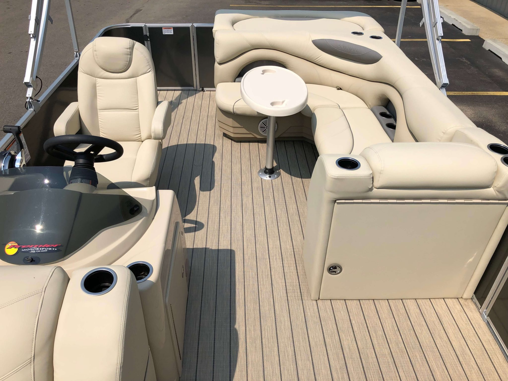2019 Sylvan 8522 Cruise Carbon Pontoon Boat Layout 4