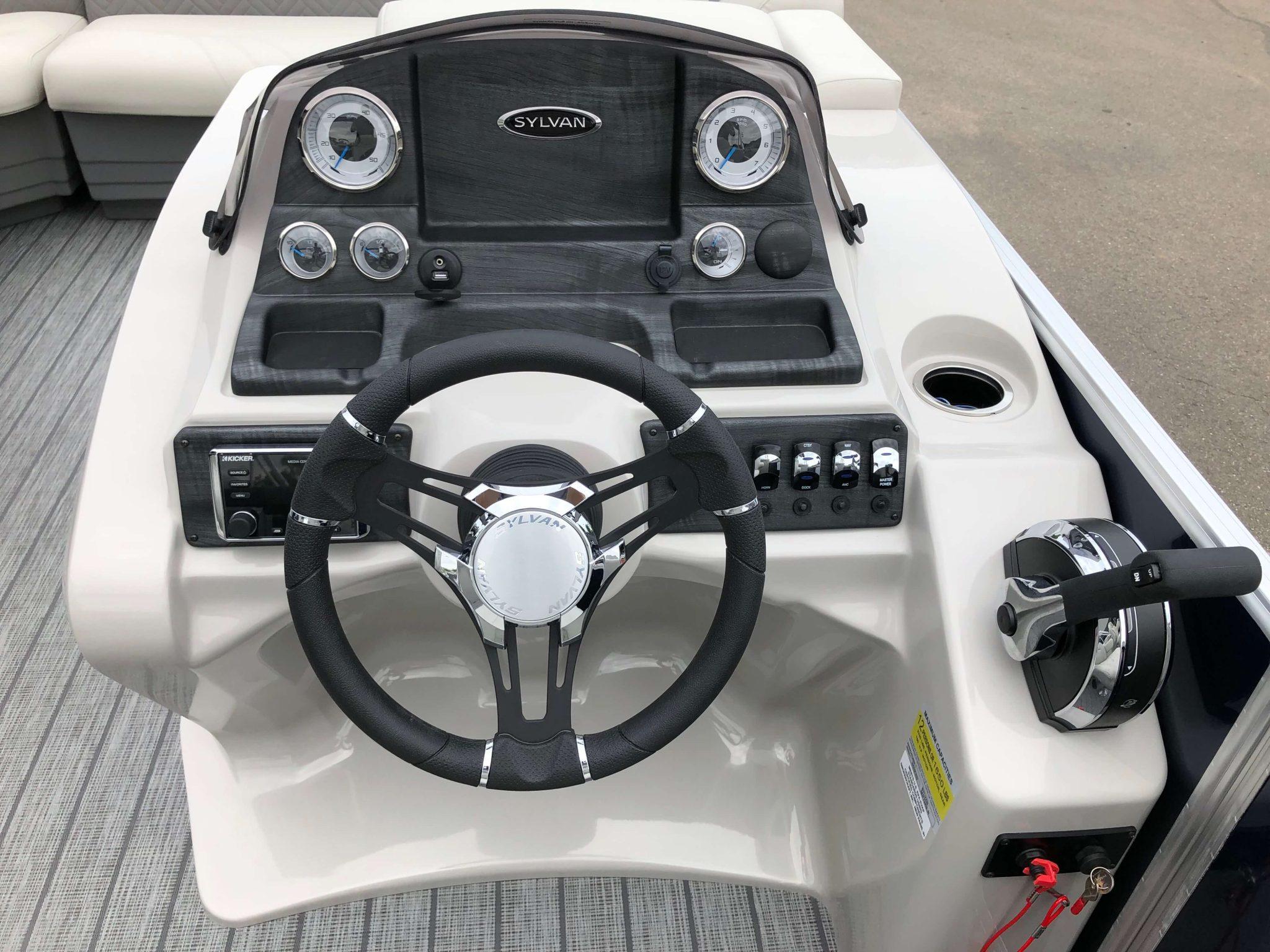 2019 Sylvan 8522 LZ LES Pontoon Dash 2