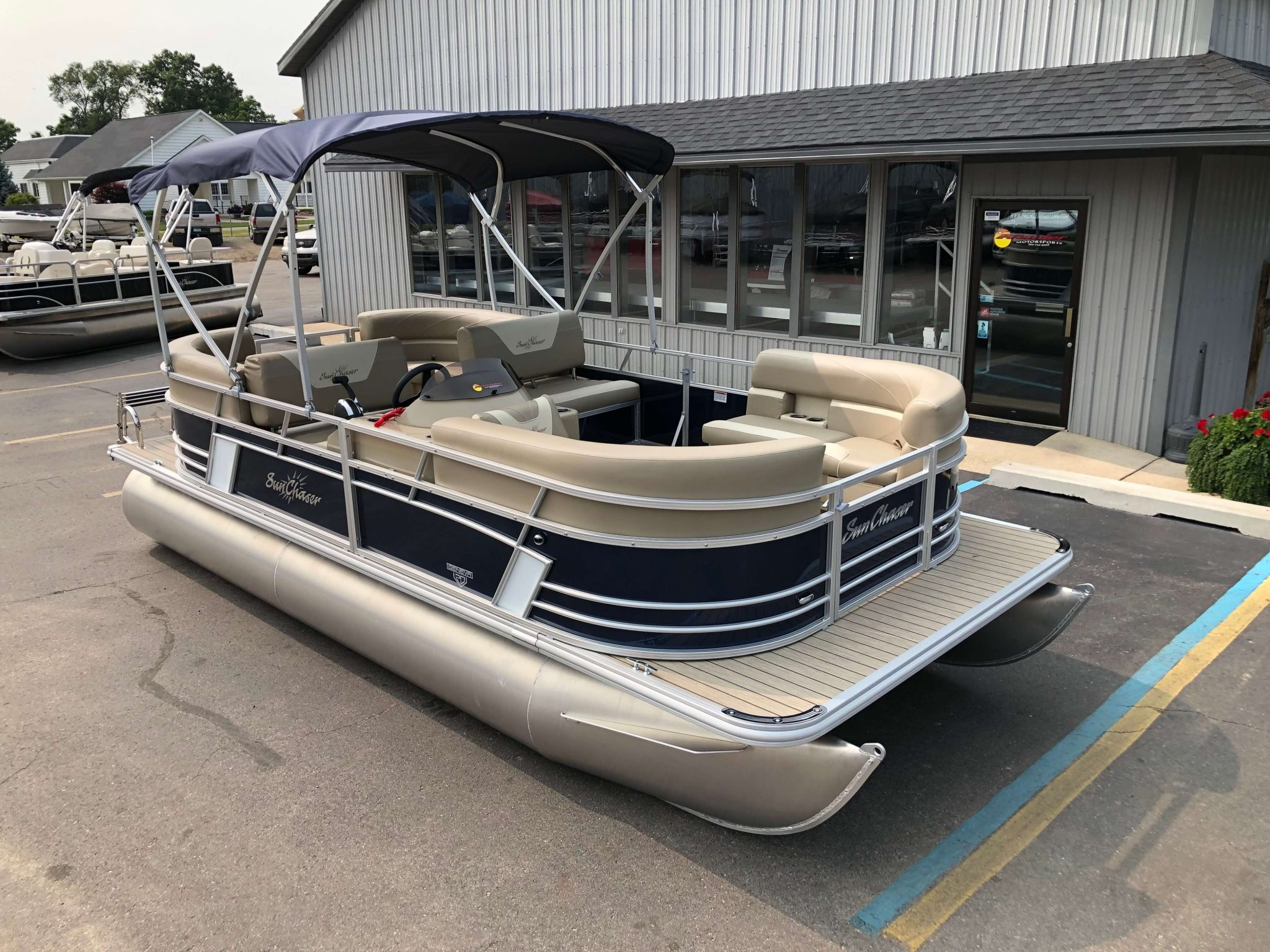2019 Sunchaser Geneva 20 LR SB Blue White Exterior 1