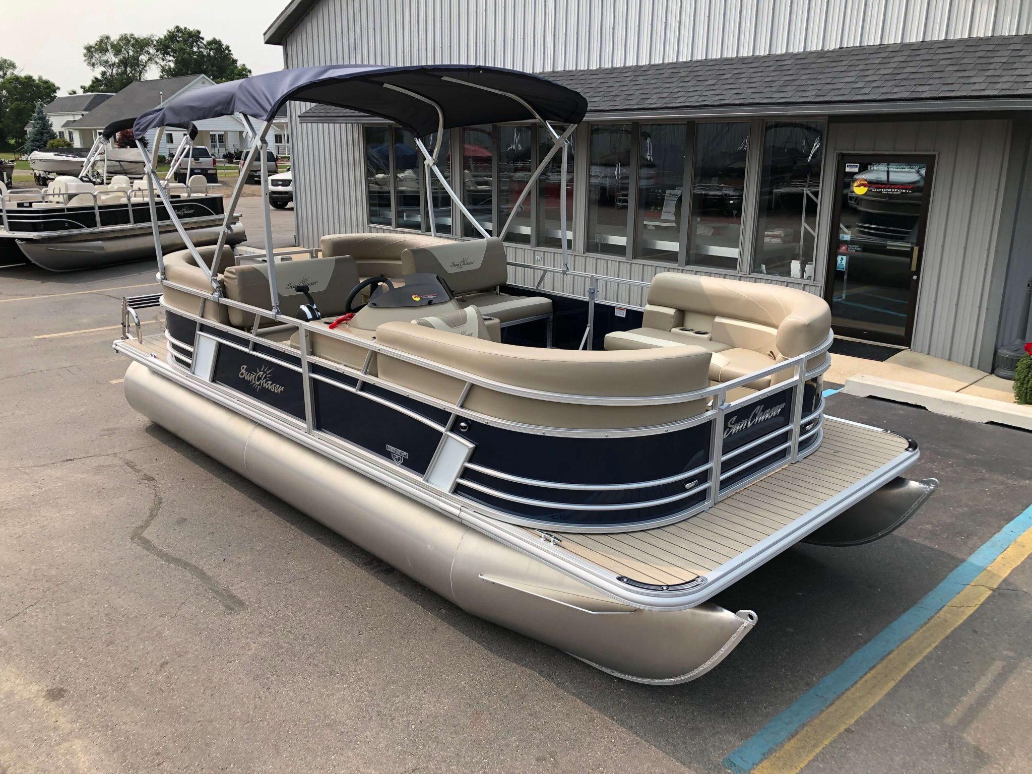 2019 Sunchaser Geneva 20 LR SB Blue White Exterior 2