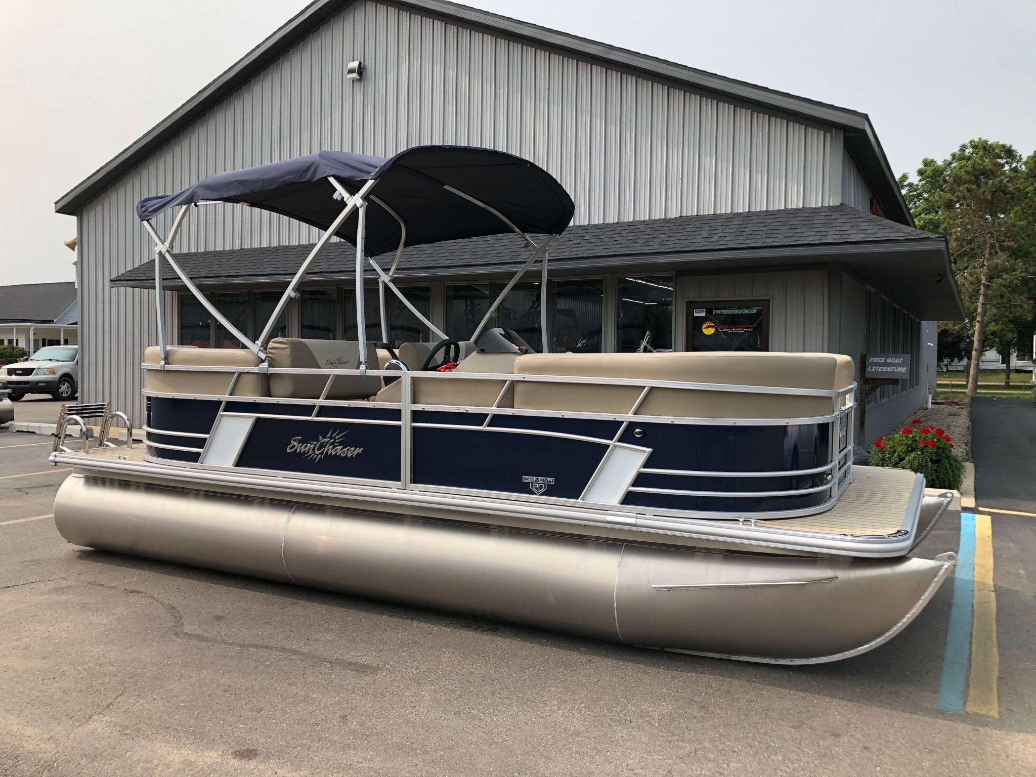 2019 Sunchaser Geneva 20 LR SB Blue White Exterior 4
