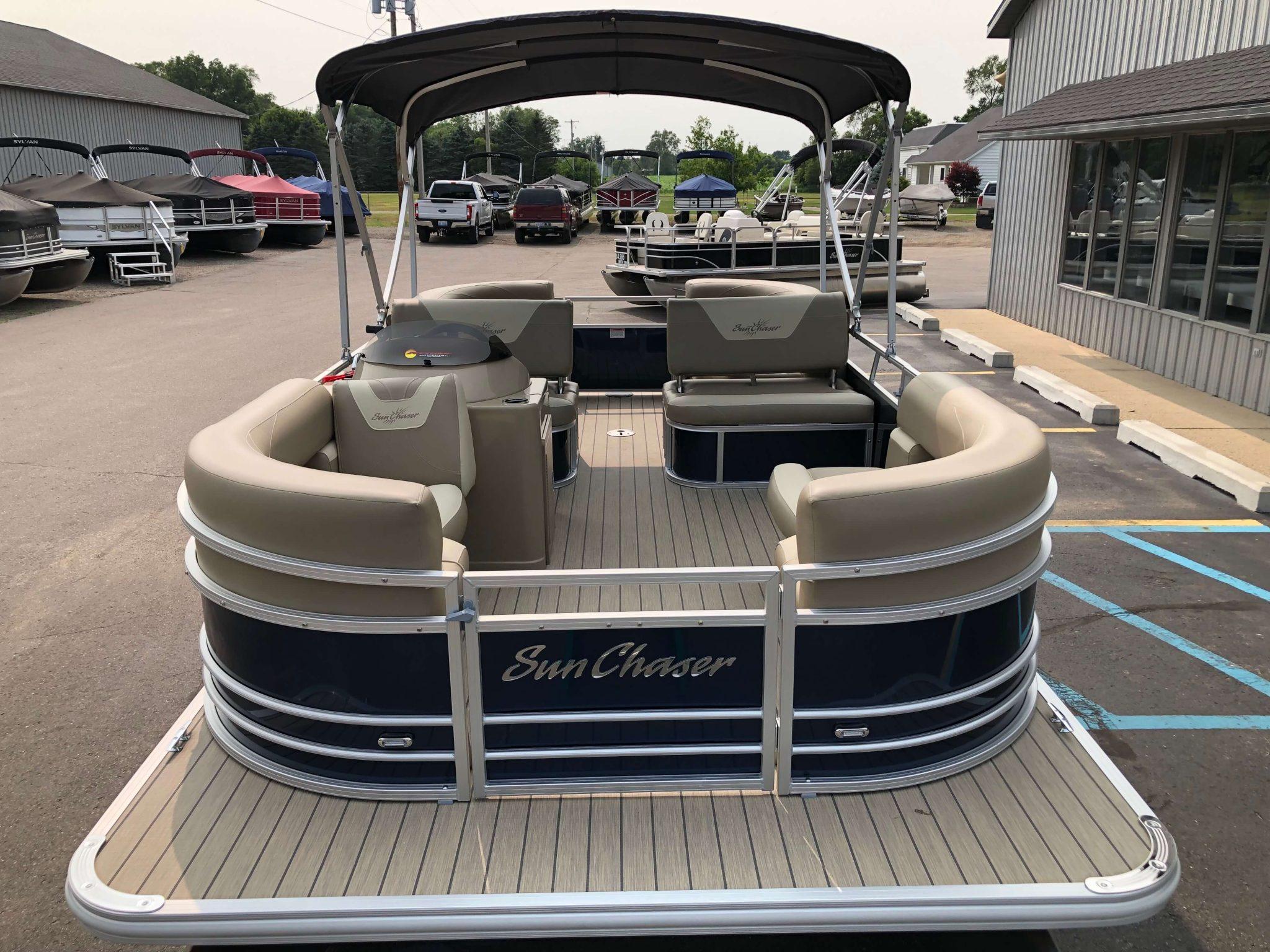 2019 Sunchaser Geneva 20 LR SB Blue White Bow 1