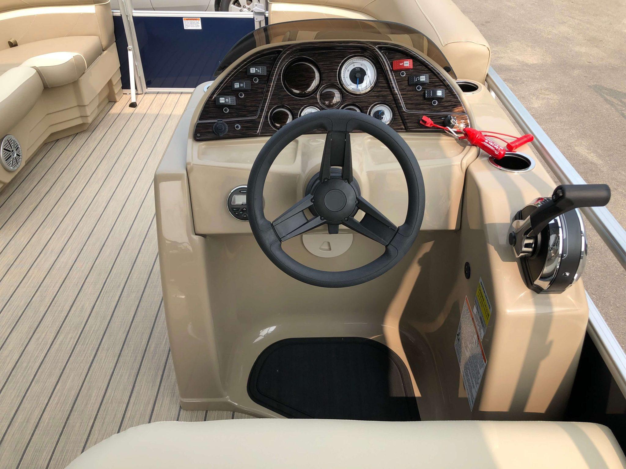 2019 Sunchaser Geneva 20 LR SB Blue White Helm 1