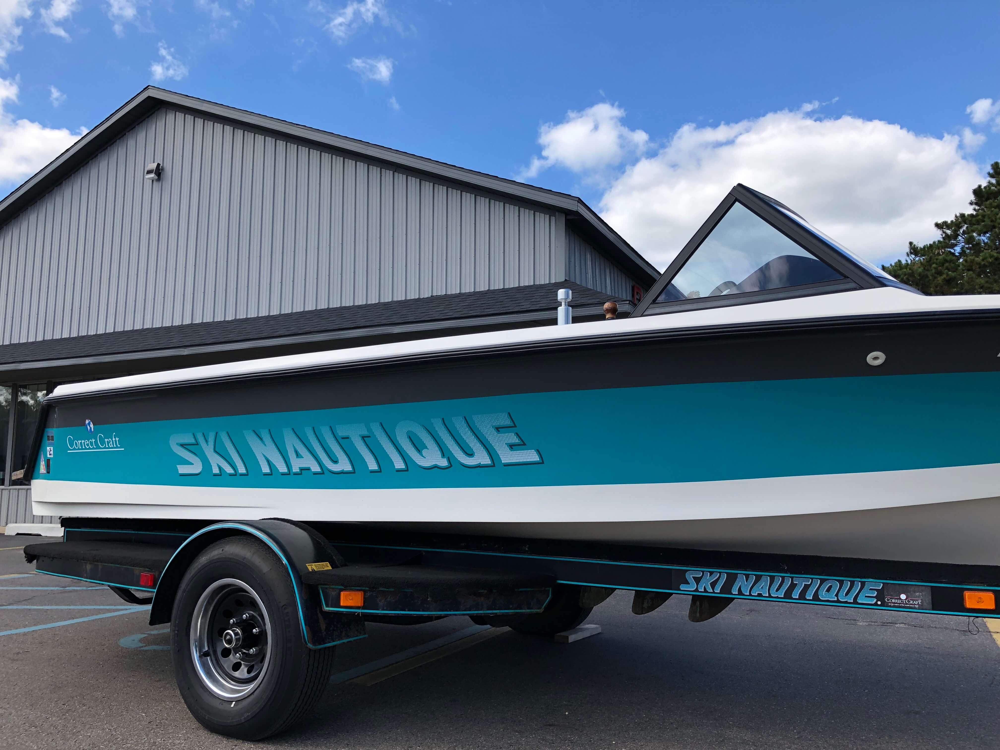 1990 Ski Nautique Ski Boat 3
