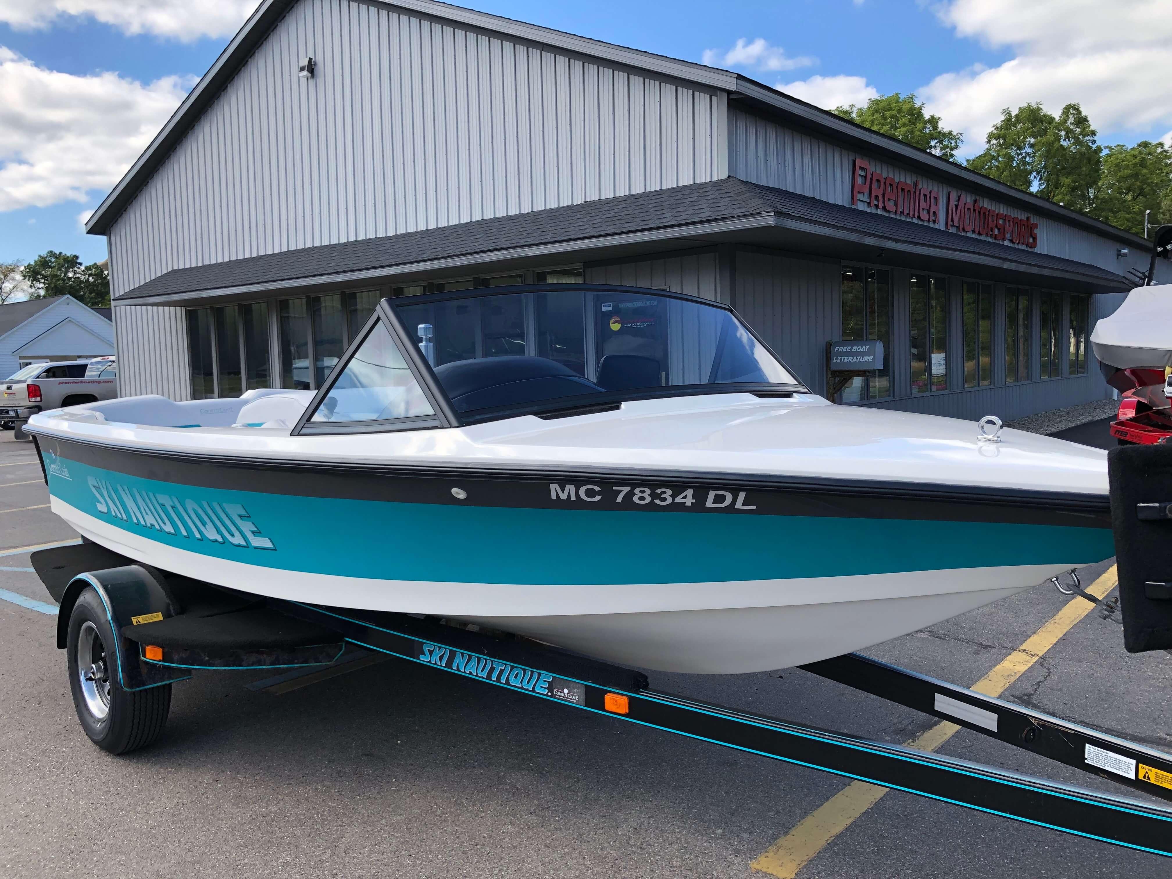 1990 Ski Nautique Ski Boat 6
