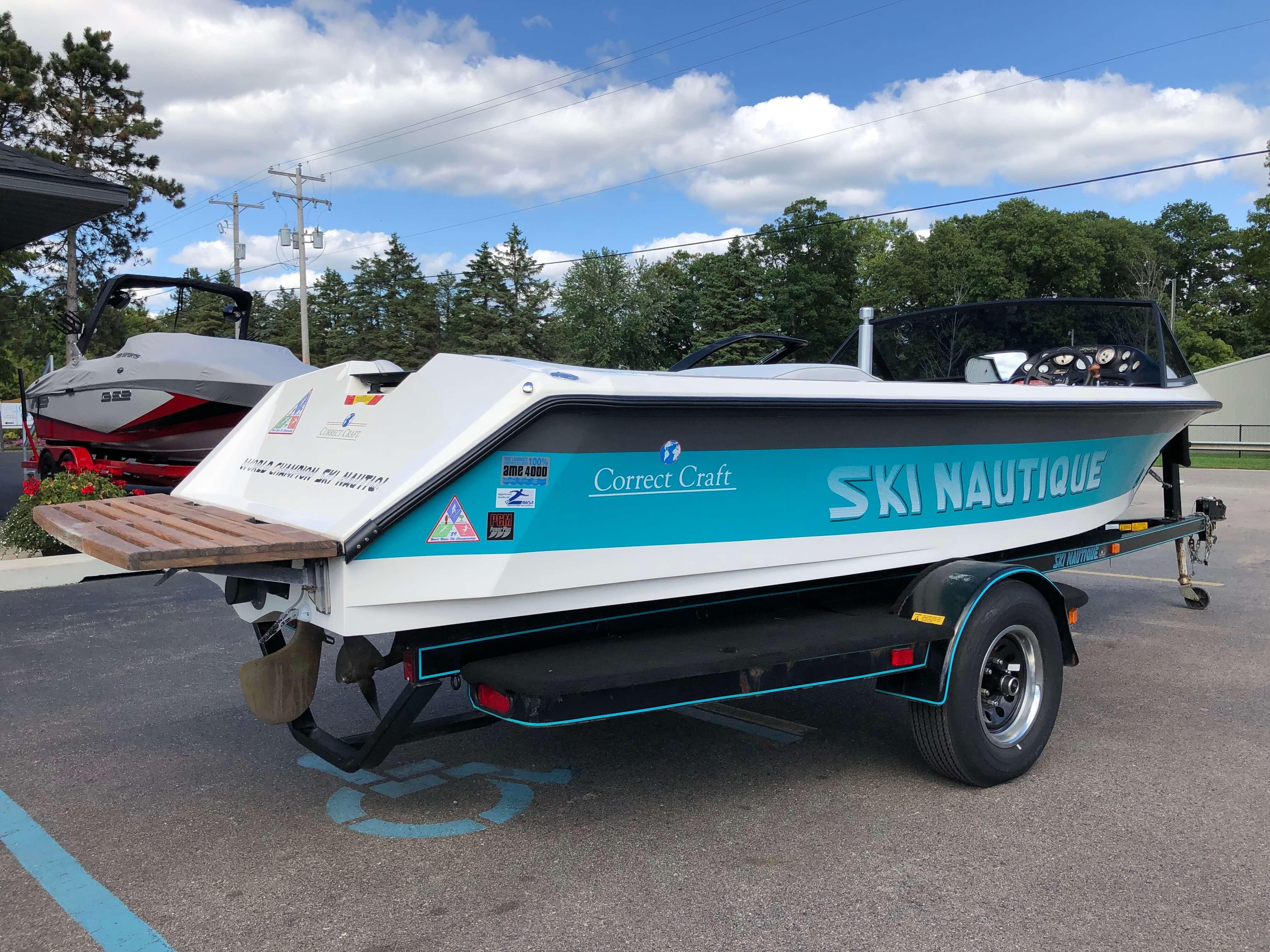 1990 Ski Nautique Ski Boat 8