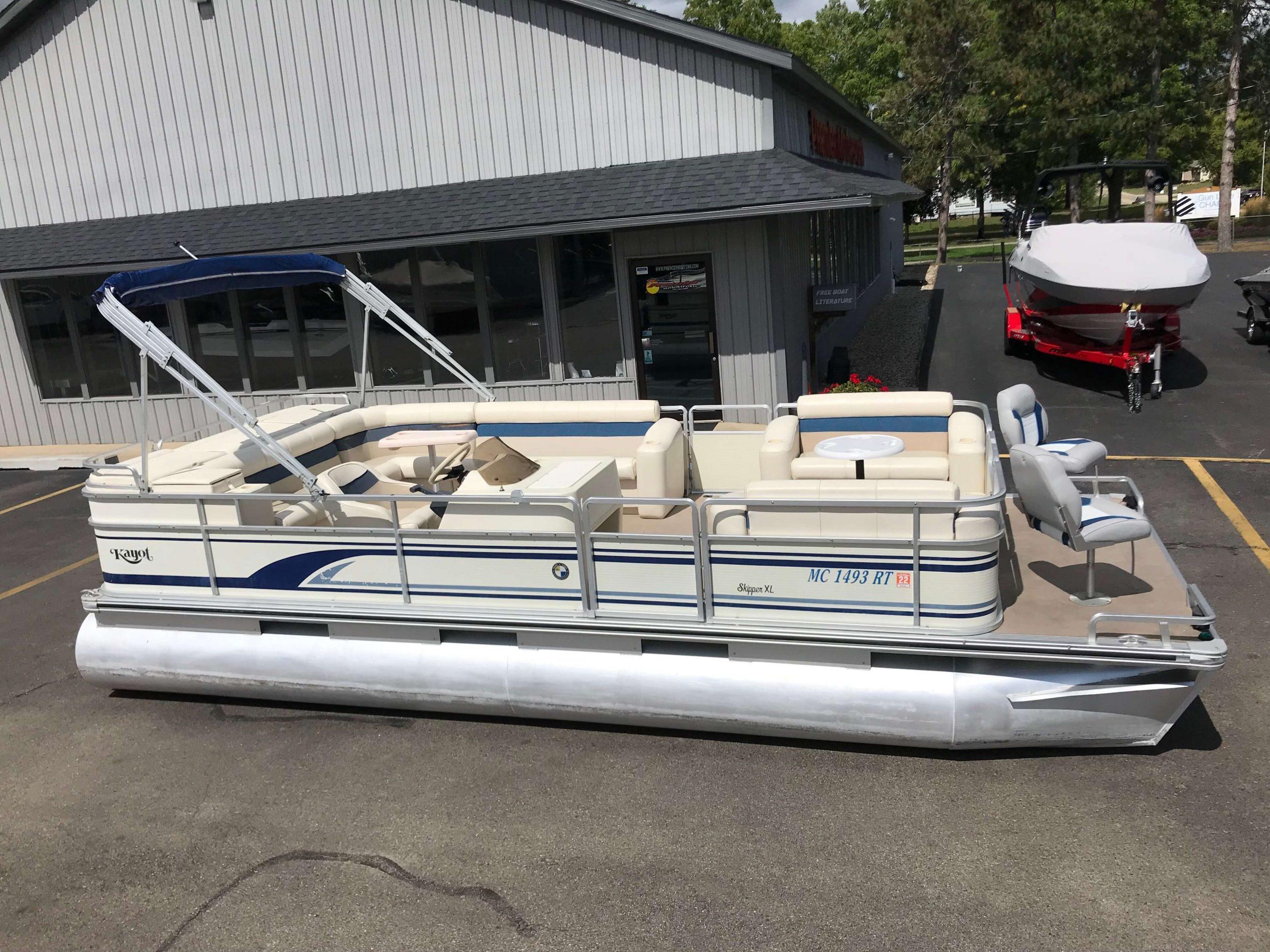1998 Harris Kayot Skipper XL Pontoon Boat 2