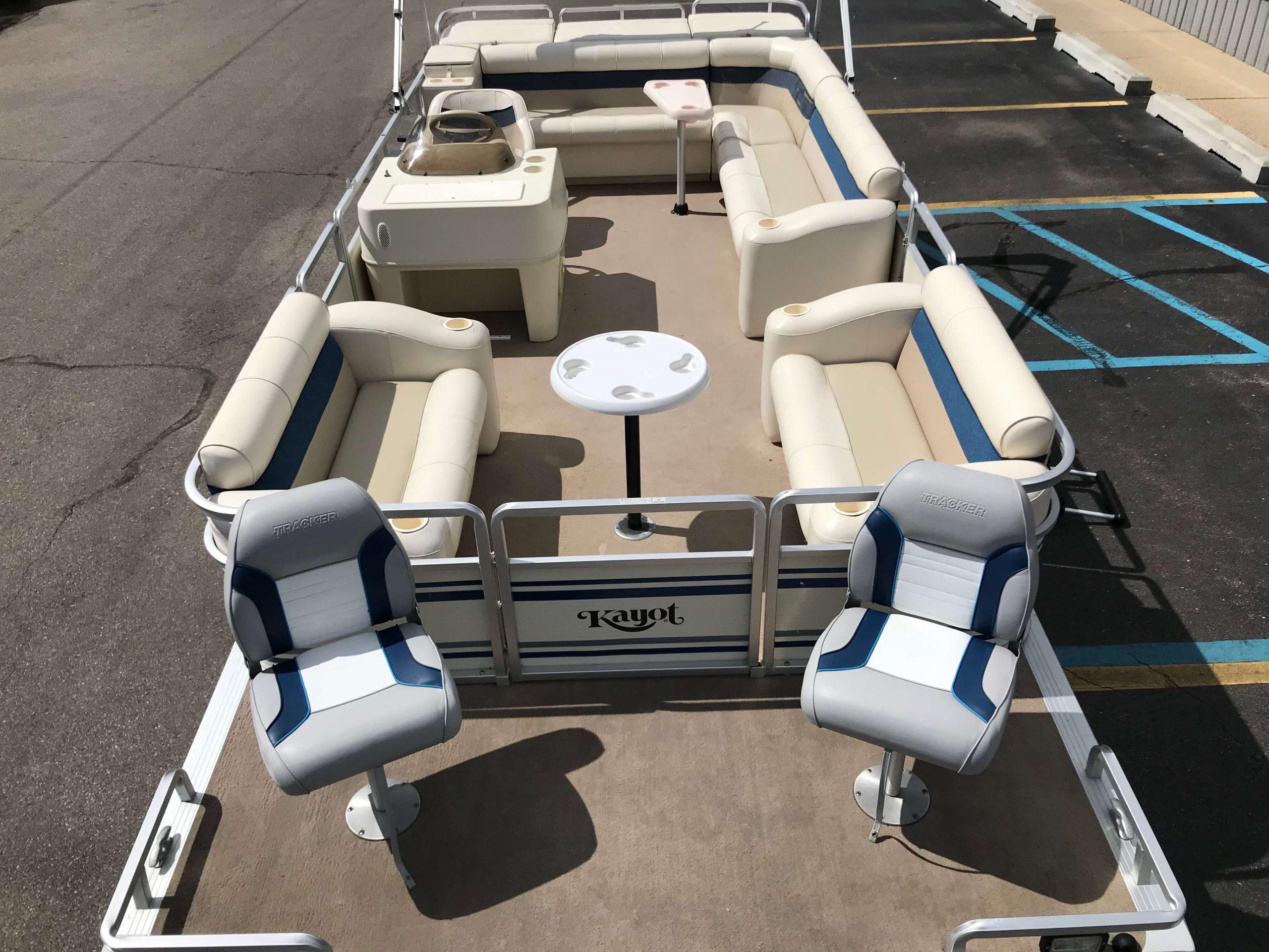 1998 Harris Kayot Skipper XL Pontoon Boat 3