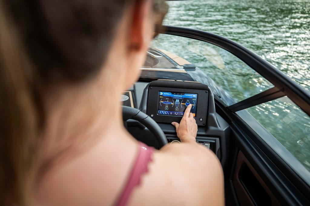 2020 Moomba 7-Inch Touchscreen